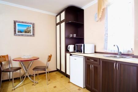 Люкс 2-местный 2-комнатный с мини-кухней, фото 3