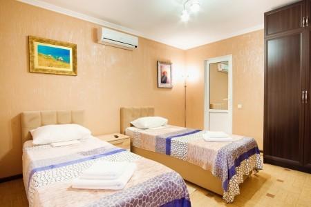 Люкс 2-местный 2-комнатный с мини-кухней, фото 4