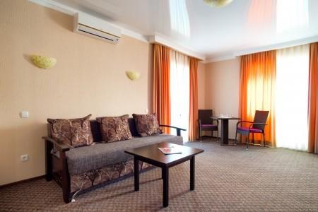 Люкс 2-местный 2-комнатный с балконами, фото 3