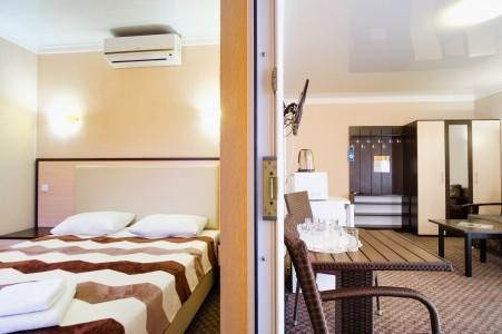 Люкс 2-местный 2-комнатный с балконами, фото 2