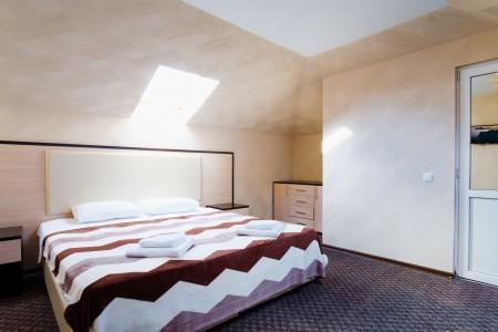 Люкс 2-местный 2-комнатный двухуровневый с балконом, фото 1