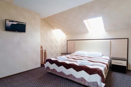 Люкс 2-местный 2-комнатный двухуровневый с балконом, фото 7