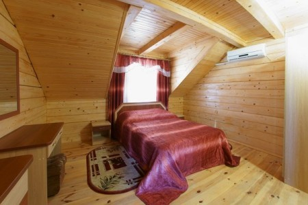 Люкс 2-местный 2-комнатный в 2-этажном дерев.коттедже, фото 1