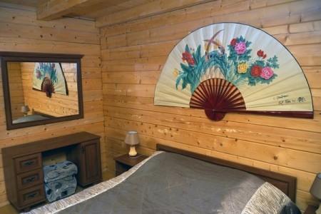 Люкс 2-местный 3-комнатный в 2-этажном дерев.коттедже, фото 1