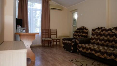 Номер 3-местный 2-комнатный с видом на море, фото 3