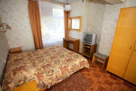 Номер 4-местный 2-комнатный, фото 1