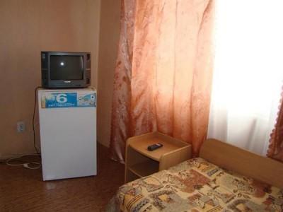Номер 4-местный 2-комнатный, фото 3
