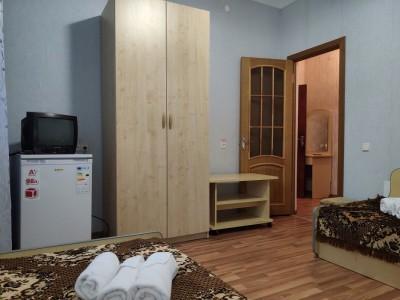Блок 4-местный 2-комнатный с частичными удобства, фото 1