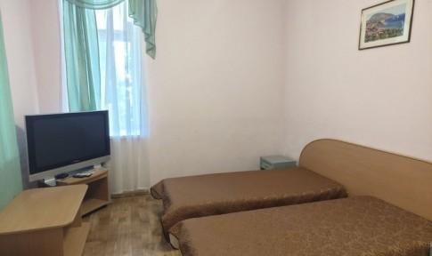 Люкс 2-местный 2-комнатный (вид на море), корпус 2, фото 1
