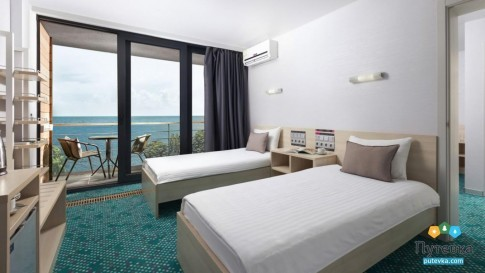 Люкс 4-местный 2-комнатный с одной двуспальной кроватью и двумя раскладными креслами Грин Парк, фото 3