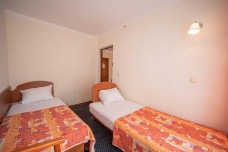 Номер 3-местный 2-комнатный, фото 3
