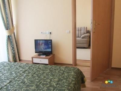 Люкс семейный 4-местный 3-комнатный , фото 2