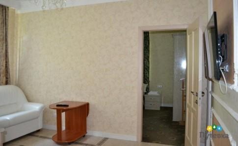 Люкс 2-местный 2-комнатный №11 (1-й этаж), фото 4