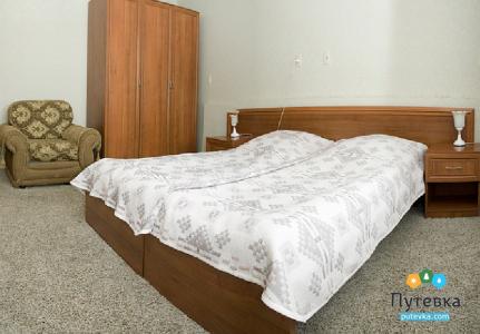 Люкс стандарт 4-местный 3-комнатный LUX S 3, фото 5