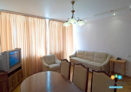 Люкс стандарт 4-местный 3-комнатный LUX S 3, фото 6