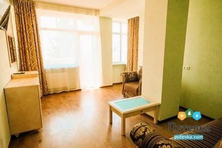Полулюкс 2-местный 2-комнатный с балконом, фото 2