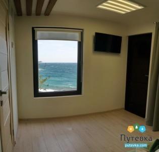 Люкс 4-местный 2-комнатный с видом на море, фото 2