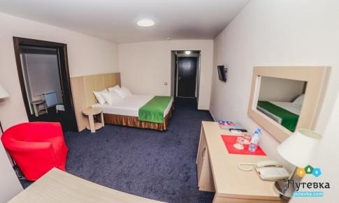 Люкс 3-местный 3-комнатный вид на море, фото 1
