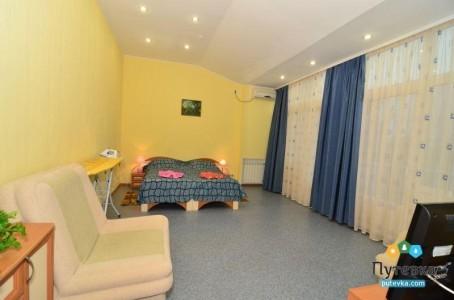 Люкс 2-местный 2-комнатный с кухней, фото 1