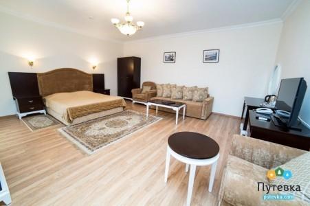 Апартаменты 4-местные 3-комнатные №10-11 (вид на море, 2 этаж), фото 2