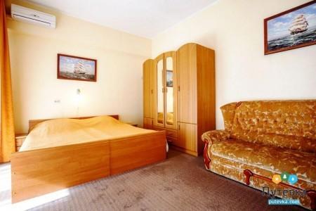 Комфорт 3-местный с балконом, море, 2-5-й этажи, фото 1