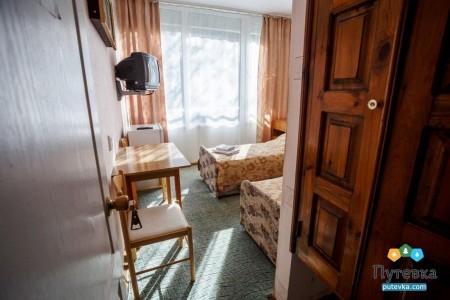 Эконом 2-местный без балкона, горы, фото 1