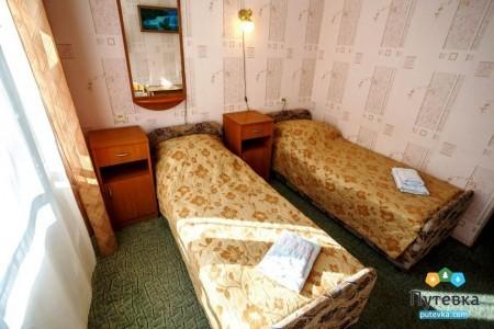 Эконом 4-местный 2-комнатный с балконом, горы, фото 2