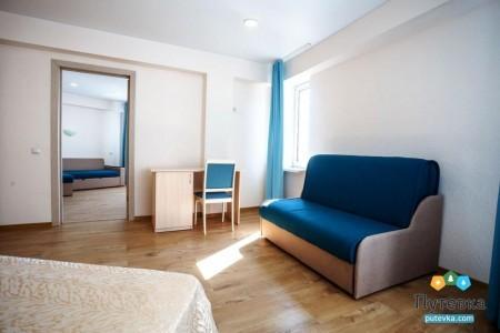 Комфорт 4-местный 2-комнатный с балконом, горы, фото 2