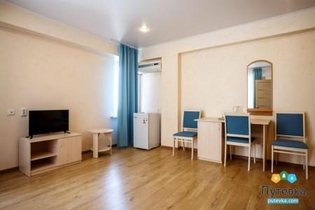 Сюит 4-местный 2-комнатный с балконом, море, 2-5-й этажи, фото 3