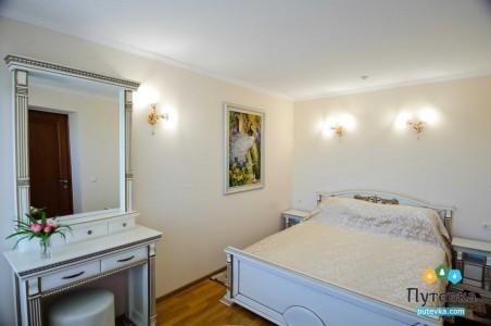 Люкс-VIP 2-местный 3-комнатный, фото 1