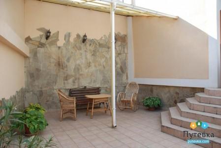 Люкс 2-местный 2-комнатный (с двориком), фото 3