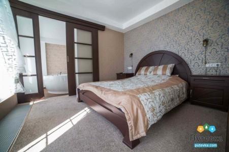 Люкс 2-местный 2-комнатный корпус 2 (20), фото 1
