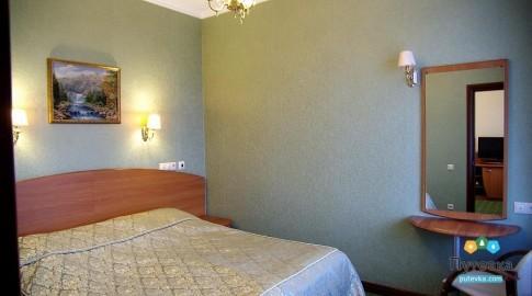 Люкс 2-местный 2-комнатный новый (солнечная сторона), фото 1