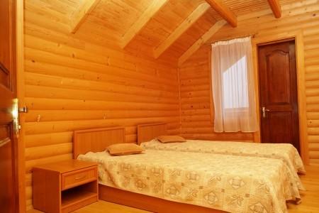 Коттедж 4-местный (деревянный сруб), фото 2