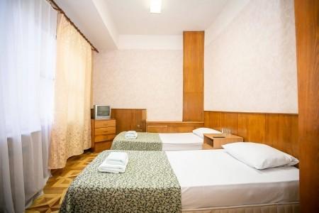 Эконом 2 местный 1-комнатный (без удобств, вид на горы), фото 1