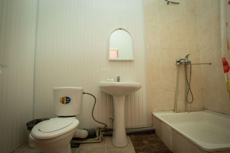 Стандартный 2-местный 1-комнатный, 2 категория (б/лоджи, вид на горы), фото 2
