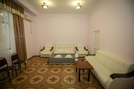 Полулюкс 2-местный 1-комнатный, 1 этаж, без балкона, фото 1