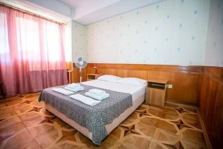 Люкс 2-местный 2-комнатный (вид на море), фото 1
