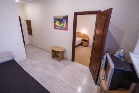 Люкс 4-местный 2-комнатный, фото 7