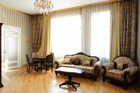 Люкс Посольский 2-местный 2-комнатный, фото 1