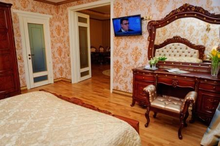 Королевский Люкс 2-местный 2-комнатный, фото 3