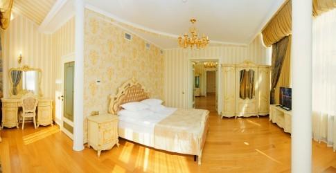 Люкс Золотой 4-местный 3-комнатный, фото 2