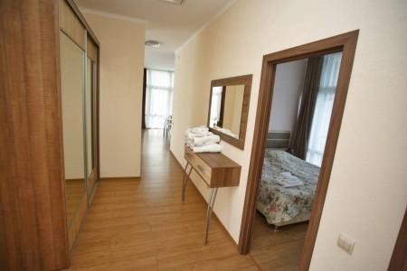 Эксклюзив 4-местный 3-комнатный (5 этаж), фото 1